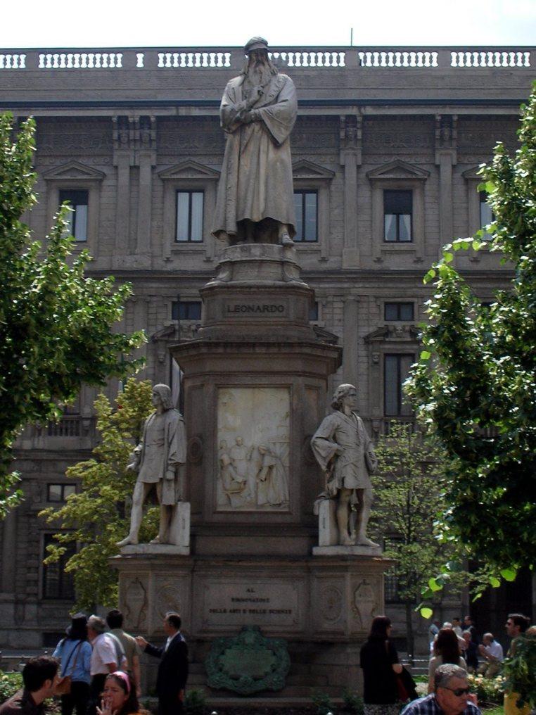 Leonardo DaVinci Statue - Milan, Italy