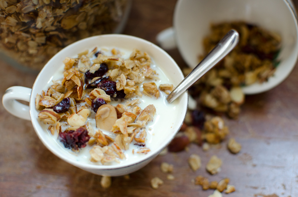 Cherry and Almond Granola Recipe - Healthy and easy!