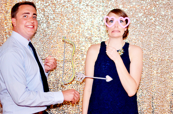 DIY Cheap Wedding Photobooth Setup - SO Easy!