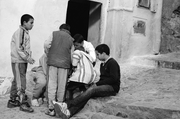 Blue City - Visiting Chefchaouen Morocco - Children in the Medina
