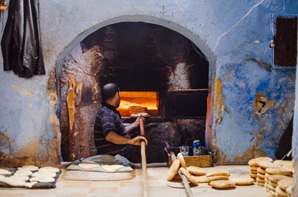 Visiting Fez Morocco :: Baking bread