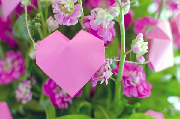 DIY :: 3D Origami Heart Garland