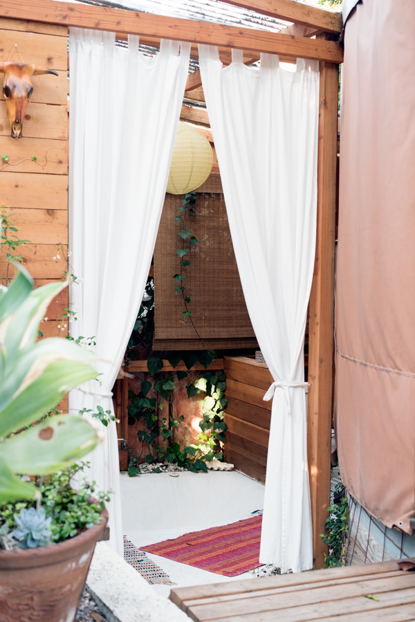 Need this :: Luxury yurt - glamping in the middle of Los Angeles!